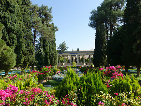 3-1350273040-hafez-mausoleum-and-gardens