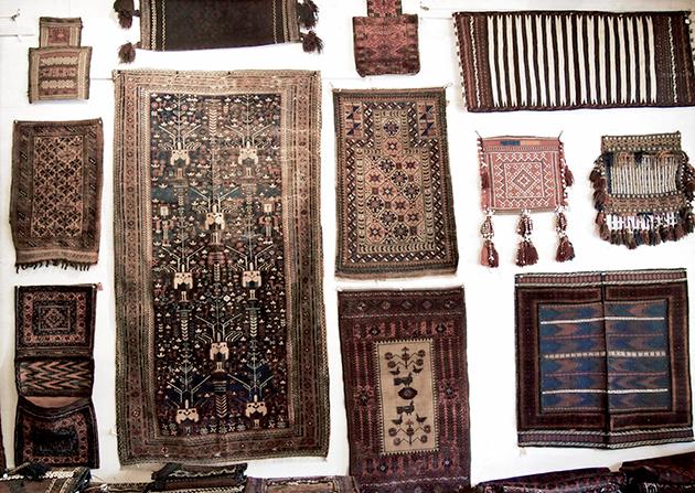 遊牧民の生活に欠かせない道具としての毛織物