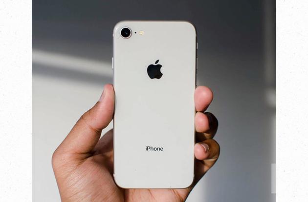 iphone-8-update-in-hand-logo-800x533-c